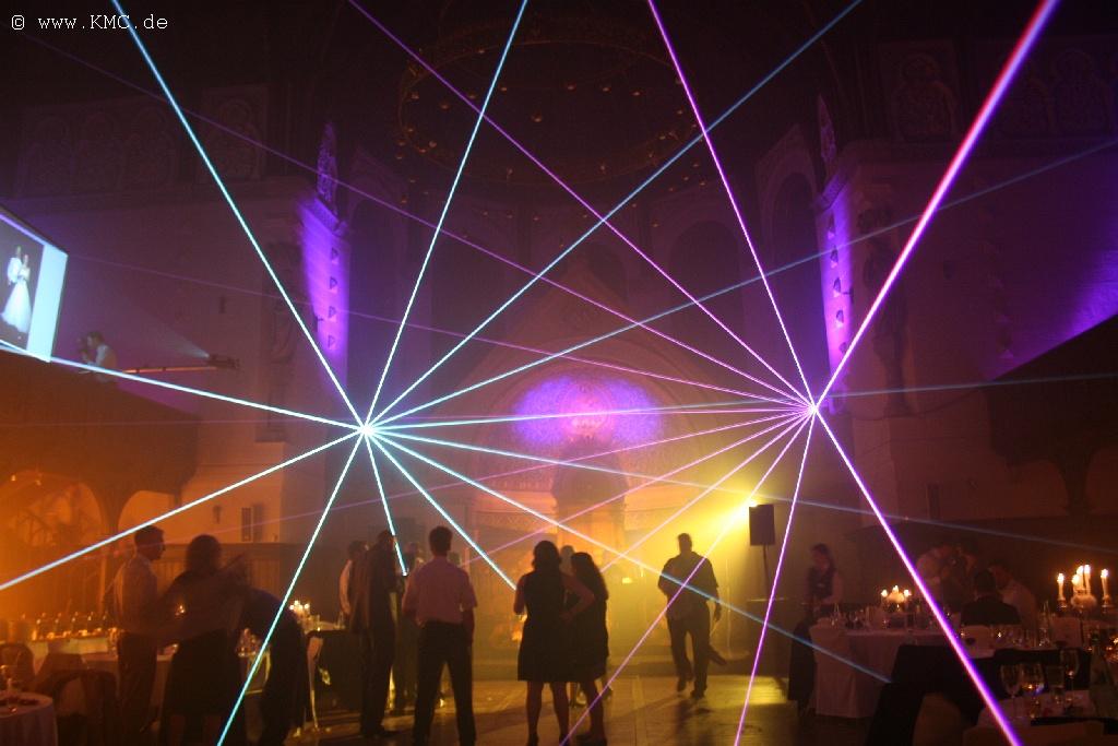 Hochzeitsfeier Mit Laser In Der Event Kirche Velbert Lasershows